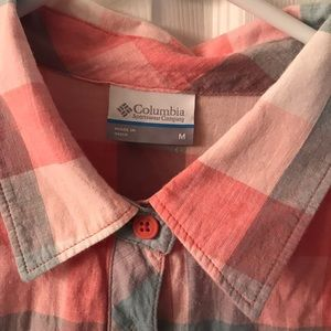 Columbia Tops - Fitted. Long sleeve shirt